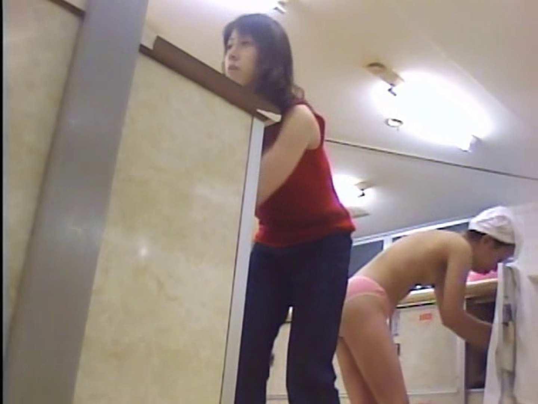 浴場潜入脱衣の瞬間!第一弾 vol.2 潜入  79連発 9