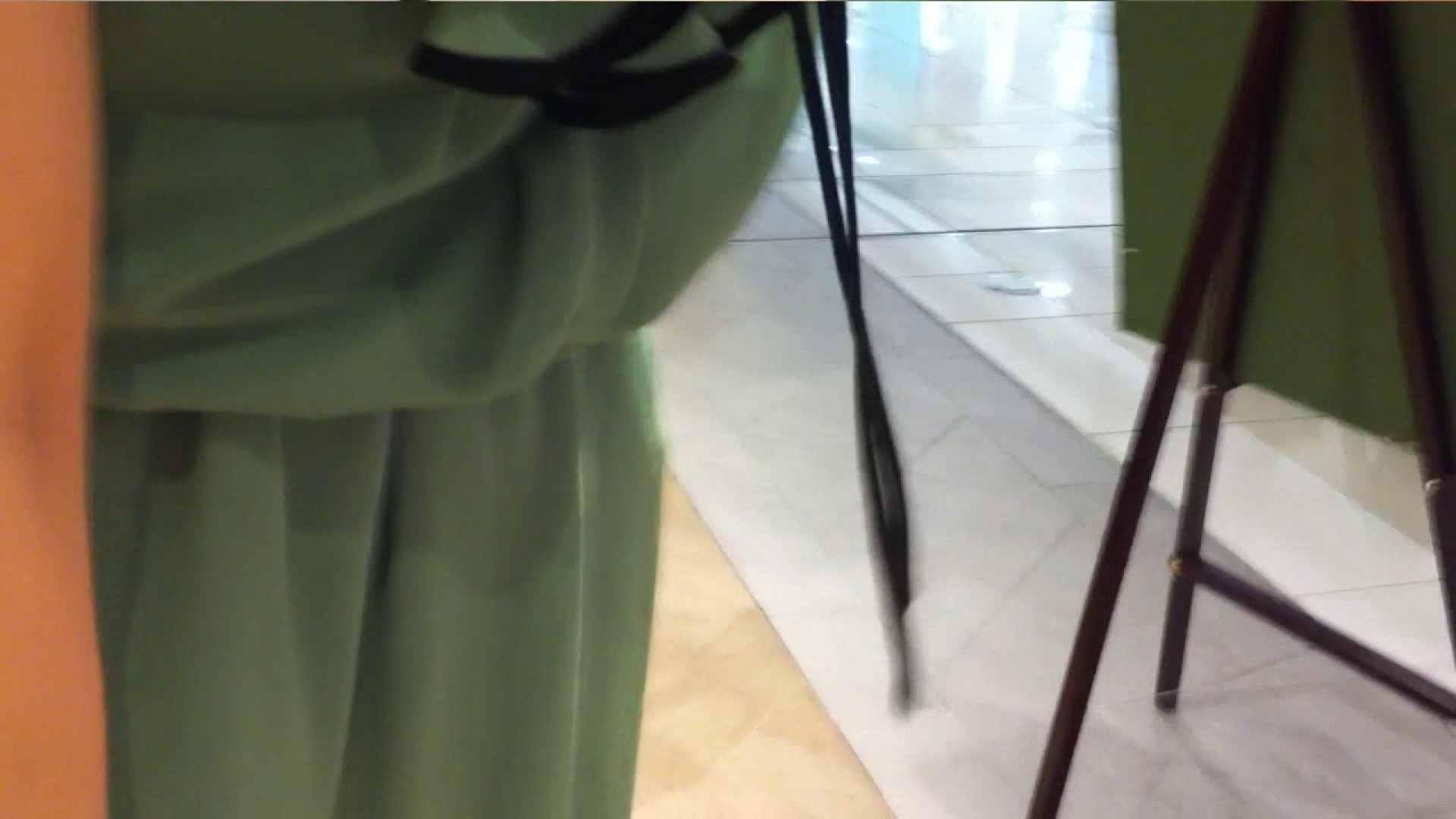 可愛いカリスマ店員限定‼胸チラ&パンチラ vol.13 チラ  42連発 24